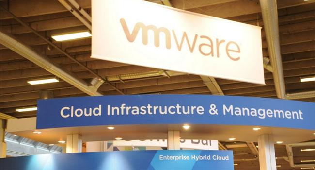VMware, שהייתה חלוצת הווירטואלזציה על מעבדי אינטל X86, עוברת עכשיו במתקפה חזיתית על תשתית הענן וניהולו - היא רוצה ומקווה לזכות באותו נתח שוק (85%) כבווירטואזלציה. המלחמה קשה. המתחרים עזים, חברות ותיקות כמו יבמ ו-BMC, סיטריקס ו-HP, ועוד חברות חדשות שנכנסות עתה לתחום, וסטארט-אפים