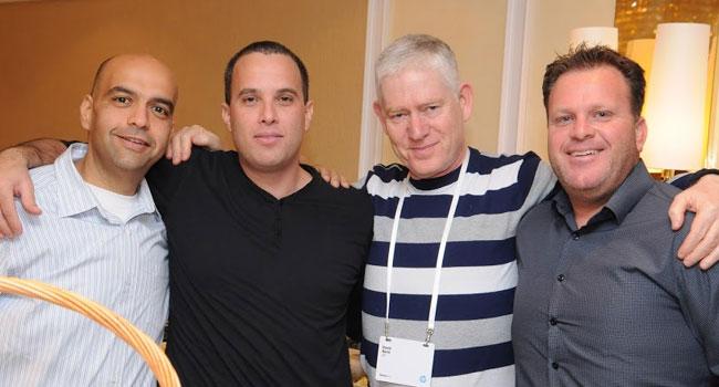 איציק שמאי-הכהן, מנכל סינופיה; דוד חורין, מנהל מכירות ES; אורי ברגמן, מנהל מכירות מחשוב אישי ב-HP אירופה וחן עמרם - CTO אגד