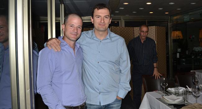 "מימין: עידן הראל, מנכ""ל דו איט וויז; אריאל סלפטר, פריסייל בכיר ב-HPSW"