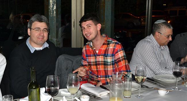 """מימין: מישל שרביט, סמנכ""""ל בקוואליטסט; אלעד שטאוברג, מנהל מכירות ב-HPSW; יגאל קורולבסקי, מנכ""""ל KMC"""