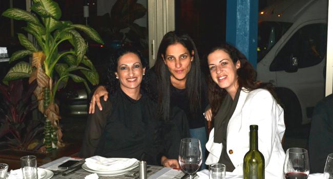 מימין: אלונה שיינזון, מנהלת מכירות ב-HPSW; גילי מנור לוי, מנהלת ב-Commercial HPSW; מאיה דגן, מנהלת מכירות בטיקומסופט