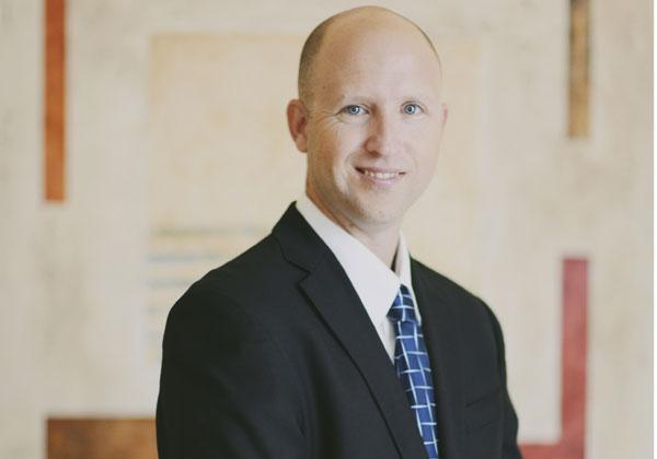 """עו""""ד לירון פרמינגר, מומחה בדיני אינטרנט וטכנולוגיה"""
