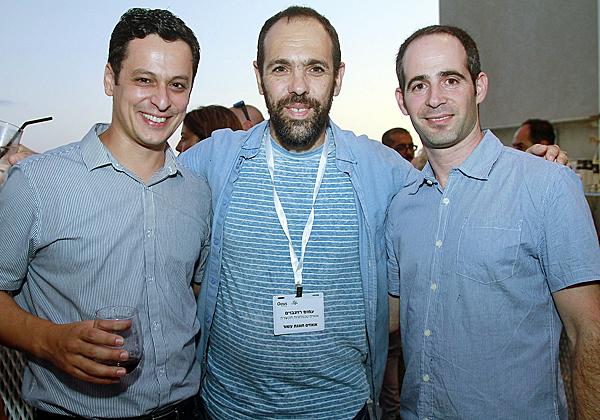 מימין: עופר גפני, מנהל תחום מוצרים ופרויקטי בסלקום; עמוס רוזנבויים, סמנכ