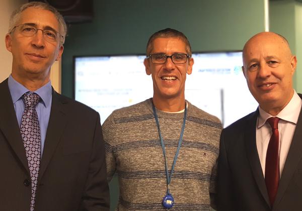 מימין לשמאל: השר צחי הנגבי; אודי שטרית, מנהל חטיבת יישומי מערכות לניהול תוכן, NessPRO; ד''ר יעקב לזוביק, גנז המדינה