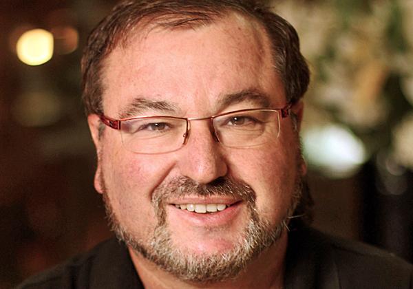 חנוך ברקת, מסייע בהקמת עסקים חברתיים מקרן דואליס
