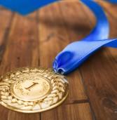 """ד""""ש לזהב: המדליות באולימפיאדה הבאה יוכנו מטלפונים ניידים משומשים"""