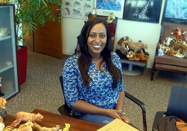 באה לבקר במאורת הנמר: מלישו סמאי, מנהלת קשרי מעסיקים והשמה ומפתחת תחום הבוגרים והמתנדבים בטק-קריירה