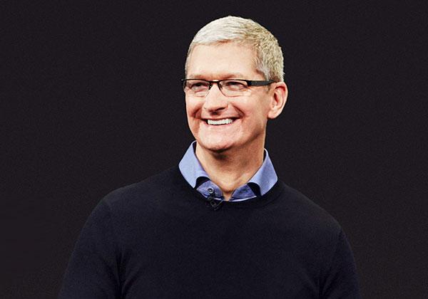 """יכול לחייך. טים קוק, מנכ""""ל אפל. צילום: BigStock"""