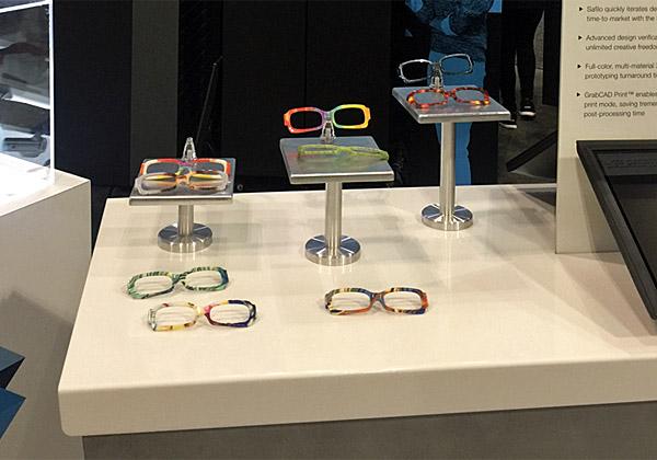 זה רעיון: להדפיס מסגרת משקפיים במדפסת תלת מימד. צילום: נחמה אלמוג