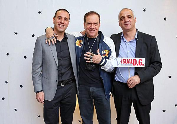"""מימין: יוסי זיגדון, יו""""ר ויז'ואל; פלי הנמר, יזם ומנהיג אנשים ומחשבים; ואלון עילם, מנכ""""ל ויז'ואל"""