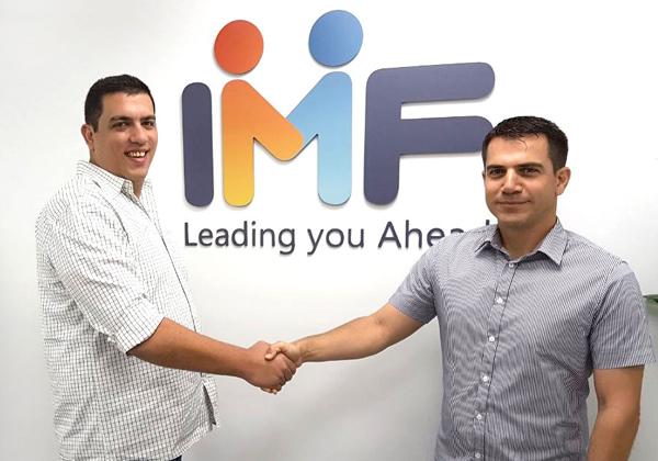 """מימין: שי תורן, מנהל אזור EMEA ב-Intigua, ואור פינקלשטיין, מנכ""""ל IMF. צילום: יח""""צ"""