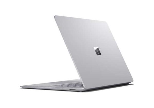 """אין תרופה. Surface Laptop של מיקרוסופט. צילום: יח""""צ"""