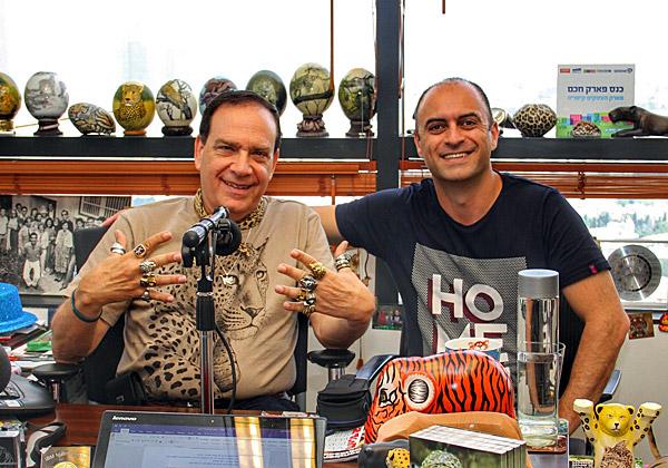 פלי הנמר, יזם ומנהיג אנשים ומחשבים (משמאל), ויוסי דהאן