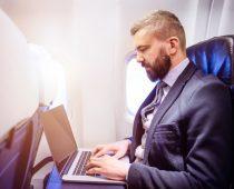 הוסר האיסור: מוסלמים ישובו לטוס לארצות הברית עם מחשביהם הניידים