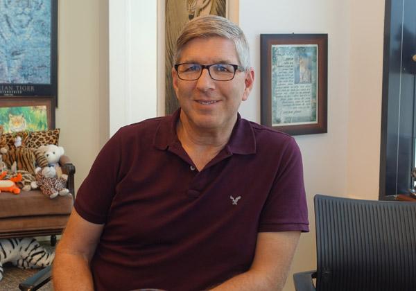 """יאיר סאקוב, יו""""ר מרכז היזמות ומנטור ראשי ב-StartOno Accelerator, האקסלרטור של הקריה האקדמית אונו. צילום: פלי הנמר"""