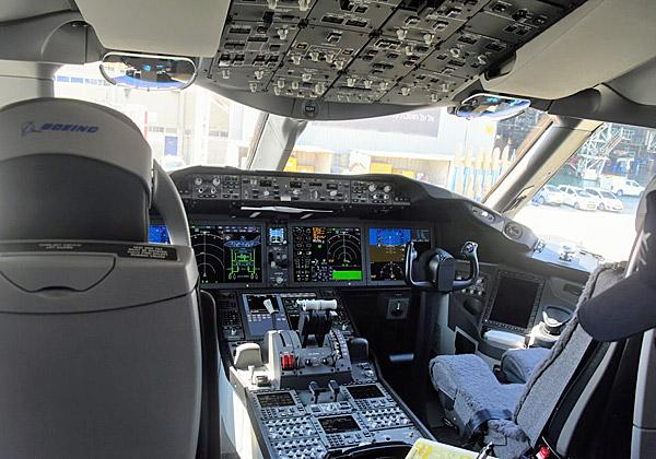 הקוקפיט - המקום הלוהט במטוס. צילום: פלי הנמר