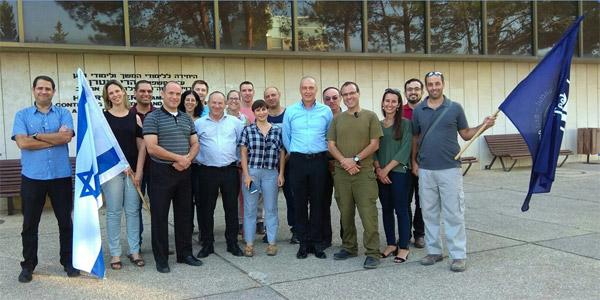 במרכז התמונה: שי שרגל, מנכ״ל RBS Projects