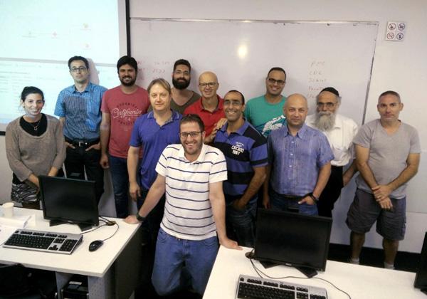 """תמונה קבוצתית של מסיימי הקורס. צילום: יח""""צ"""