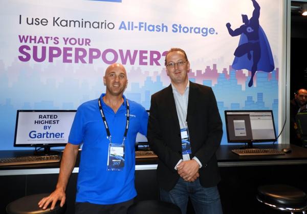 מימין: טום אוניל, מנהל הטכנולוגיות הראשי של קמינריו לאזור EMEA, וטל שפסה, מהנדס מכירות בחברה