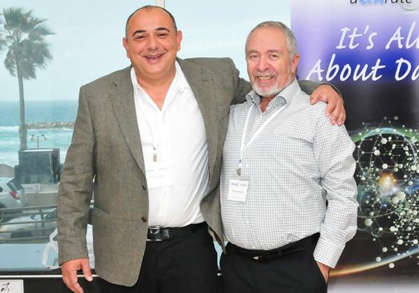 """מימין: קוסטין מרזאה, מנהל הטכנולוגיות הראשי של אקורייט; ויוסי רודריק, מנכ""""ל החברה. צילום: יח""""צ"""