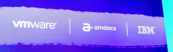 השילוש הבכיר במליאת הפתיחה: אמדוקס, יבמ ו-VMware. צילום: פלי הנמר