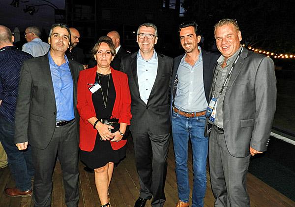 """משמאל: ליאור פוני, מנכ""""ל משותף של Dell-EMC ישראל; אניה מונרד, סגנית נשיא בכירה ומנהלת כללית של CEE; אנגוס הגרטי, נשיאת יחידת ה-Commercial Business לאזור EMEA ב-Dell-EMC; אלי שקד, מנכ""""ל VMwareישראל; ושמוליק ענתבי, מנכ""""ל VMware אזורי לישראל, טורקיה, יוון, קפריסין ומלטה"""
