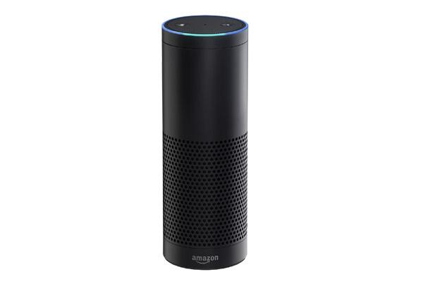 """עושה פולו אפ. רמקול Echo עם Alexa. צילום: יח""""צ"""