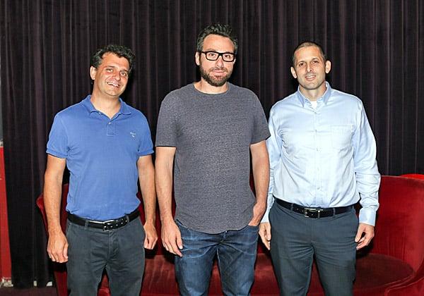 """מימין: אמיר וייס, מנכ""""ל יוניברסל מקאן דיגיטל; וארז רוזנברג וירון ויצנבליט, שותפים המלווים חברות סטארט-אפ מ-PwC Israel. צילום: גבע טלמור"""