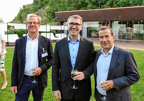 מימין:ז'אן פייר ברולארד, סגן נשיא בכיר ומנהל כללי ב-VMware לאזור EMEA; ואונגוס הגרטי, נשיא לאזור EMEA ב-Dell-EMC Commercial Business