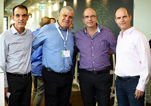 מימין: אודי מוקדי, יצחק ברוורמן, אבי לוי וחן ביתן. צילום: דרור סיתהכול