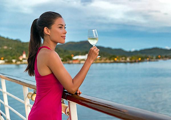 יותר ויותר מעדיפים - ומעדיפות - את האוניות על פני המלונות. צילום אילוסטרציה: Maridav, BigStock