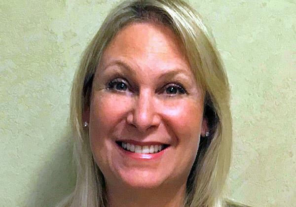 """ג'ולי שפיקי, מנהלת השיווק הראשית של Safe-T. צילום: יח""""צ"""
