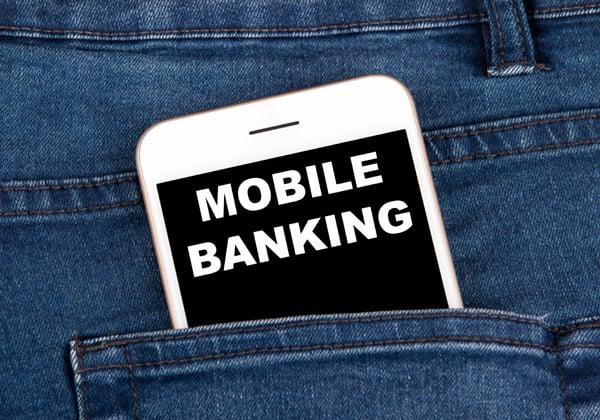 שגשוג בבנקאות הדיגיטלית ובתשלומים הדיגיטליים בישראל - בעיקר דרך הסמארטפון. אילוסטרציה: Toathphoto, BigStock