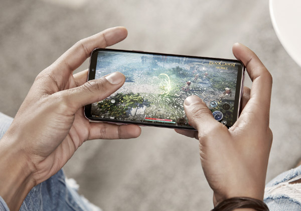 התחיל ברגל ימין (יחסית). Galaxy S9. צילום: סמסונג