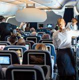 ויכוח קטן בתור לעלייה למטוס הפך לסרטון ויראלי בפייסבוק