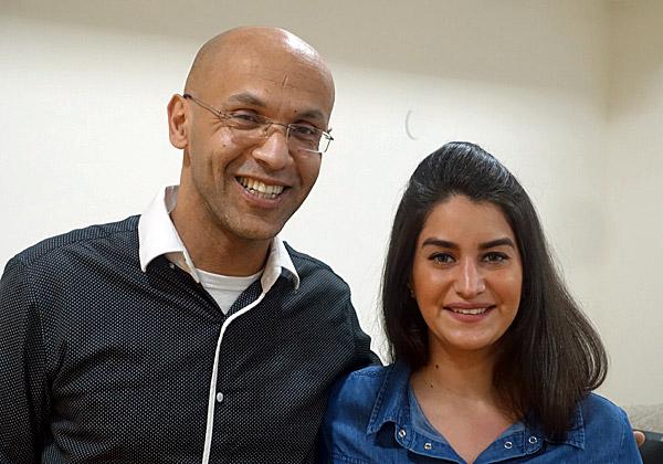 """משמאל: גיל עדני, מנכ""""ל HackerU, וחני שלום, מנהלת השיווק הנמרצת של החברה. צילום: פלי הנמר"""