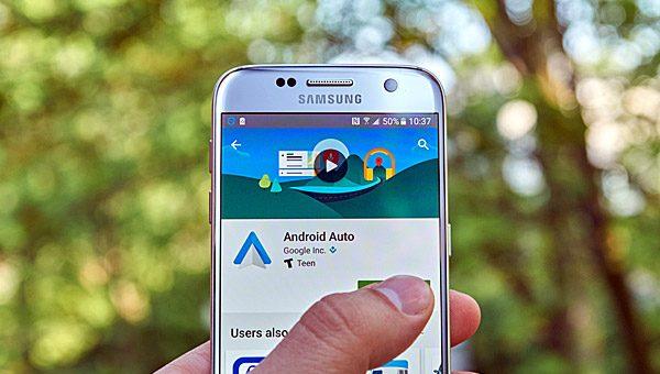 גוגל הופכת את Android Auto לאלחוטי