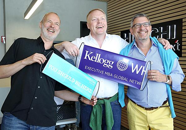 """מימין: תומאס הנקל, מנמ""""ר C&A; פיטר קראוטר, מנמ""""ר בית הספר לניהול WHU Otto Beisheim; והורסט אלרמן, מו""""ל המגזין CIO בגרמניה. צילום: ניב קנטור"""