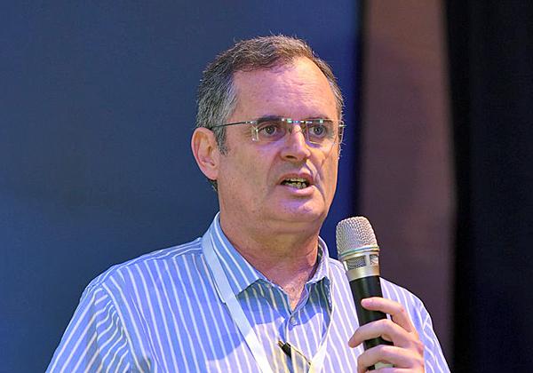 ז'ק בוזגלו, מנהל תמיכה ומכירת פתרונות של חברת בנטלי במקיט מערכות. צילום: שי פיירשטיין