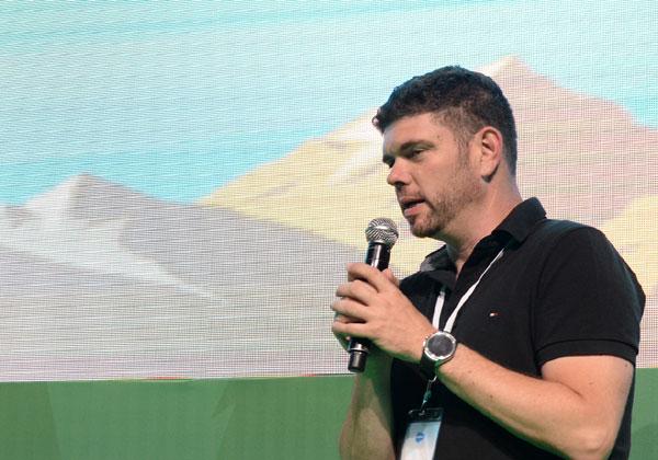 """ניר חינסקי, מנהל פעילות Google Cloud , לאזור מרכז ומזרח אירופה, המזה""""ת ואפריקה. צילום: קובי קואנקס."""