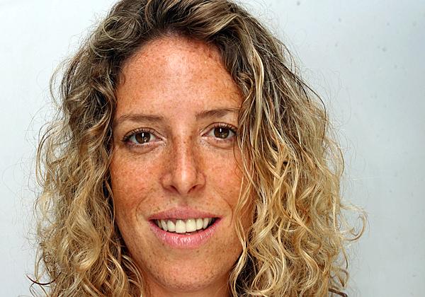 אפרת לוי, מנהלת לקוחות ומכירות לתחום המסחרי בג'וניפר. צילום עצמי