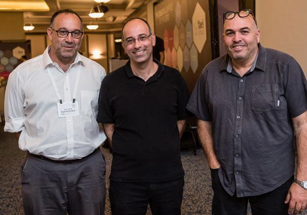 מימין לשמאל: דורון גיגי, מנכ