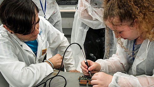 פיליפס ישראל קיימה מחנה קיץ טכנולוגי לתלמידות כיתות ט'