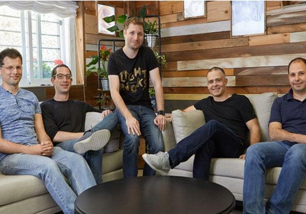 מייסדי לייטריקס: עמית גולדשטיין, זאב פרבמן, ירון אינגר, איתי צידון וניר פוצטר. צילום: אופיר אבה